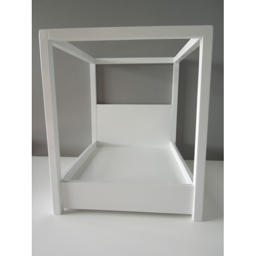 Devon Canopy Bed in White  sc 1 st  PRD Miniatures & Modern Dollhouse Furniture | M112 PODS | Devon Canopy Bed in White ...