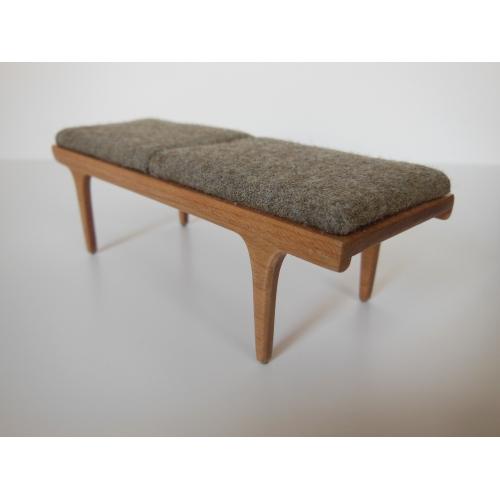 Modern Dollhouse Furniture M112 Pods Nolan Bench In