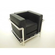 Le Corbusier Petit Lounge Chair Stock Black