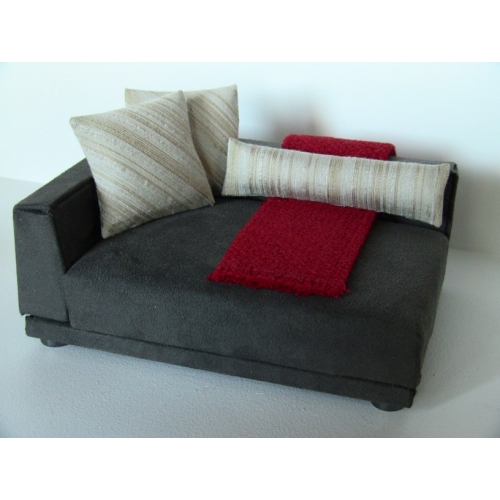 Uno Sofa In Grey