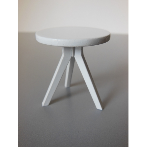 Merveilleux Tripod Side Table In White