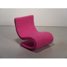 S Chair in Pink